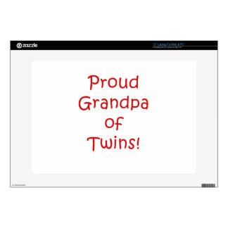 Abuelo orgulloso de gemelos skins para 38,1cm portátiles