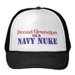 Abuelo orgulloso de un arma nuclear de la marina d gorros bordados