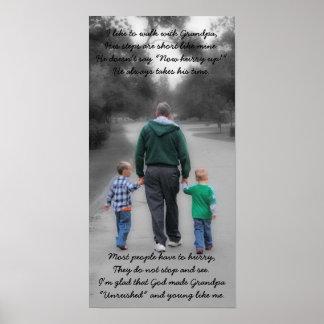 abuelo y nietos póster
