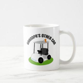 Abuelos el otro coche (carro de golf) taza