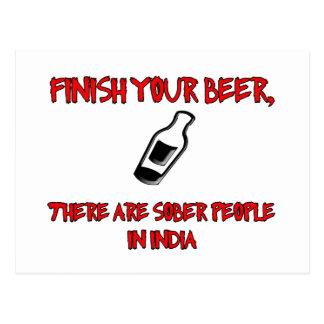 acabe su cerveza con una botella de cerveza postal