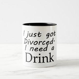 Acabo de conseguir divorciado taza de dos tonos