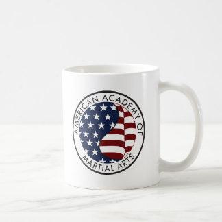 Academia americana de materia del coleccionable de taza clásica