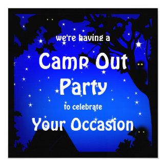 Acampa hacia fuera la invitación del fiesta