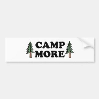 Acampa más árbol de pino pegatina de parachoque