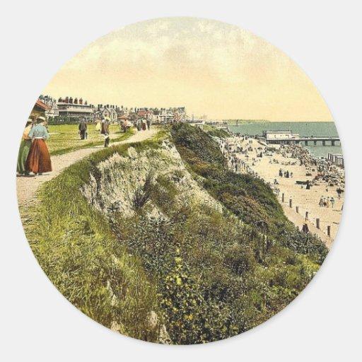 Acantilado del oeste, obra clásica Photoc del Pegatina Redonda
