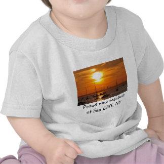 Acantilado NY del mar Camiseta