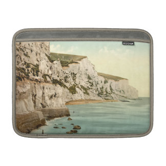 Acantilados blancos de Dover, Kent, Inglaterra Fundas Para Macbook Air
