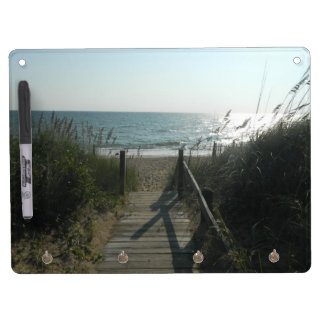 Acceso a la playa pizarra blanca