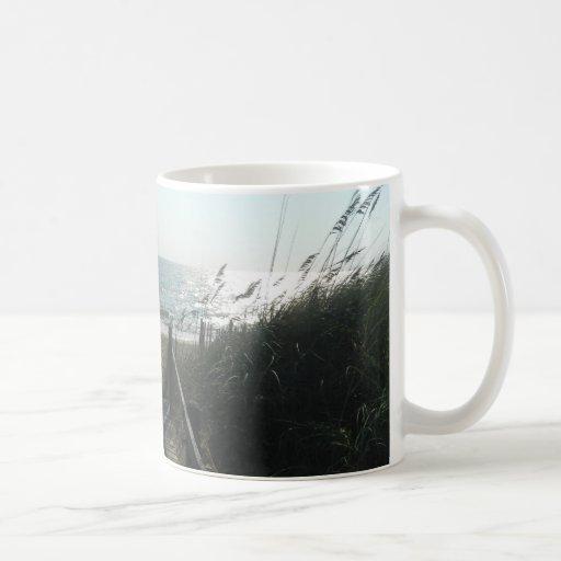 Acceso a la playa taza básica blanca