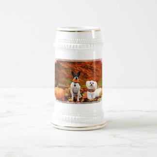 Acción de gracias de la caída - fox terrier de jarra de cerveza