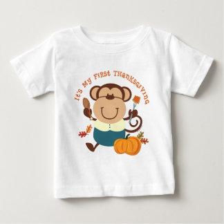 Acción de gracias del muchacho del mono 1ra playera de bebé