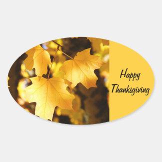 ¡Acción de gracias feliz hojas de otoño de oro de