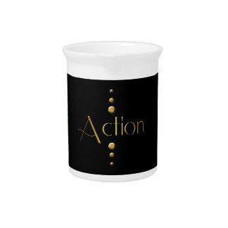 Acción del bloque del oro de 3 puntos y fondo negr jarra para bebida
