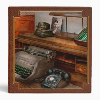 Accountant - Typewriter - The accountants office Binder