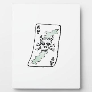 ace of skulls plaque