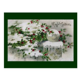 Acebo de las cubiertas de nieve en Navidad del Tarjeta Postal