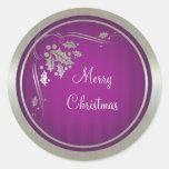 Acebo de plata y remolinos en navidad púrpura etiquetas redondas