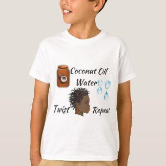 Aceite de coco, agua, torsión, repetición playera