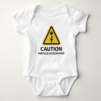 : Acelerador de partícula T-shirts