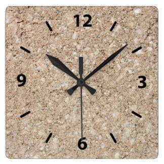Acera beige amelocotonada pálida del cemento reloj cuadrado