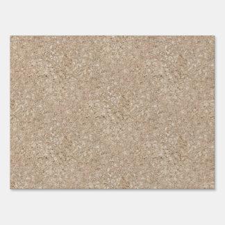 Acera beige amelocotonada pálida del cemento señales