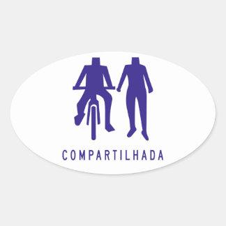 Acera compartida, señal de tráfico del Brasil Pegatina Ovalada