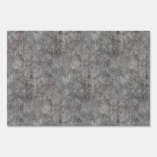 Acera gris resistida del cemento letrero