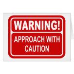 Acercamiento de la señal de peligro con diseño de  tarjetón