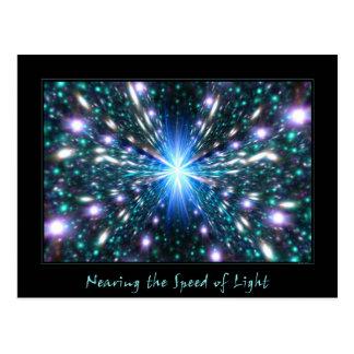 Acercamiento de la velocidad de la luz tarjetas postales