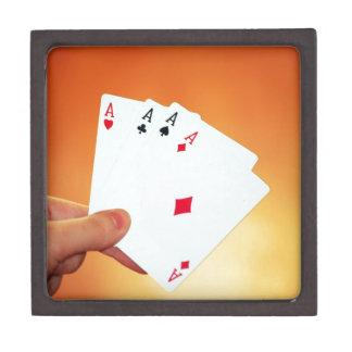 Aces-in-hand1892 CARDA los JUEGOS de JUEGO del Caja De Regalo De Calidad
