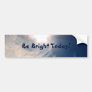 ¡Aclare su día!  Sun luminoso y nubes Wispy Etiqueta De Parachoque