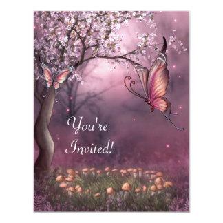 """Acontecimiento encantado de la mariposa del jardín invitación 4.25"""" x 5.5"""""""