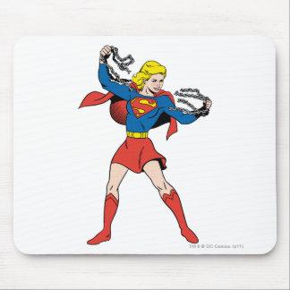 Actitud 10 de Supergirl Tapete De Ratones