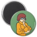 Actitud 11 de Velma Imán