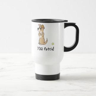 Actitud de la búsqueda del perro taza