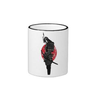 Actitud del samurai taza de dos colores