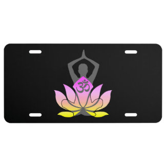 Actitud espiritual de la yoga de la flor de OM Placa De Matrícula