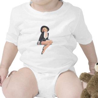 Actitud modela del vintage negro de la capa traje de bebé