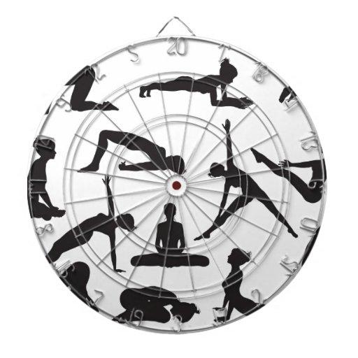 Actitudes de la yoga de la silueta tablero de dardos