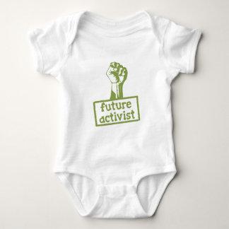 Activista futuro mameluco de bebé