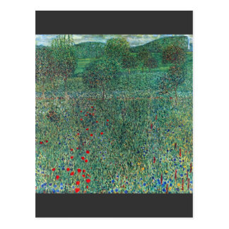 Acto femenino con los animales de Gustavo Klimt Postal