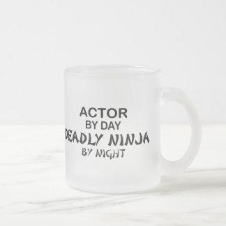 Actor Ninja mortal por noche Taza De Cristal