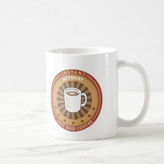 Actuario inmediato taza de café