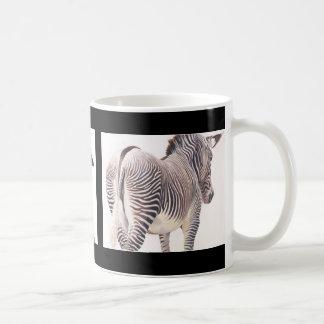 Acuarela de la fauna del elefante, de la cebra y taza clásica