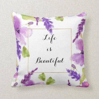 Acuarela púrpura bonita floral cojín decorativo