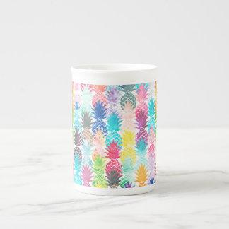Acuarela tropical del modelo hawaiano de la piña taza de porcelana