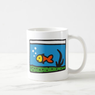 Acuario con pez taza clásica