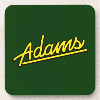 Adams en amarillo posavaso