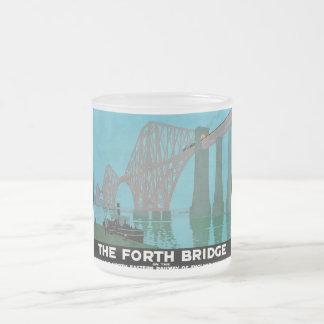 Adelante el puente - ferrocarril del noreste taza de cristal